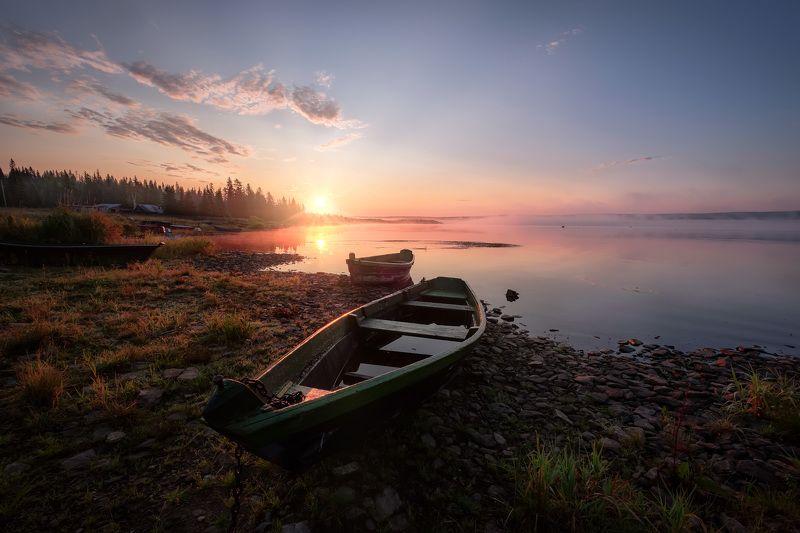 зюраткуль, пейзаж, озеро, лодки, горы, небо, рыбаки, рассвет, туман, утро Рассвет над озеромphoto preview