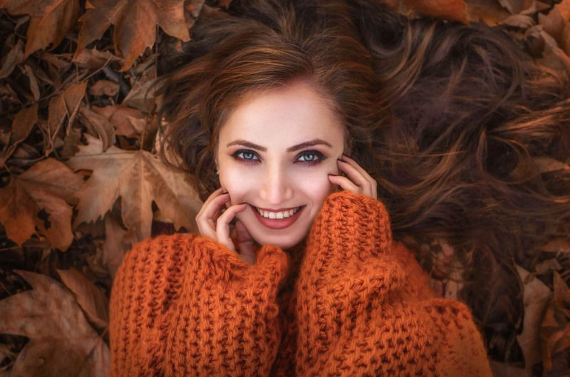 smile, portrait, girl, autumn, leaves, red, yellow leaves, have fun, lying Осенняя..photo preview