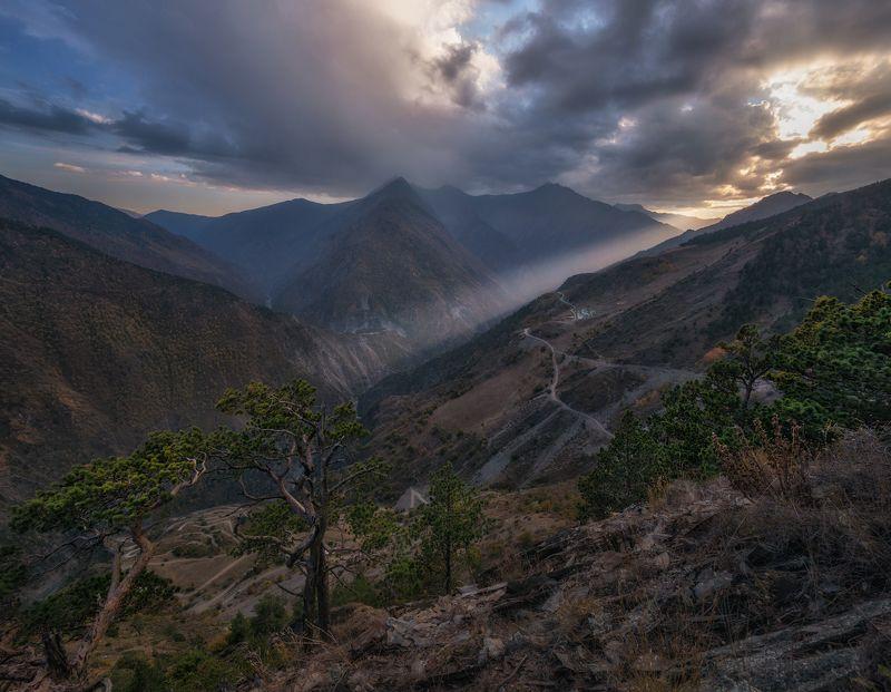 дагестан, кавказ В высокогорьях Дагестана.photo preview