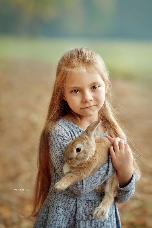 портрет, осень, девочка, girl, кролик, животные, солнышко, друзья, лучи, happy, happiness, сказка, волшебство, rabbit, autumn, грусть, Пора расставаться...photo preview