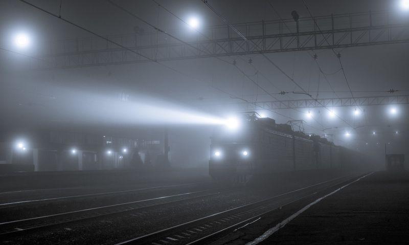 skrylov,skrylov_official,россия,челябинская область,туман,лето,утро,поезд,прожектор,туман,электровоз ***photo preview