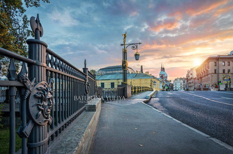 санкт-петербург, пантелеймоновский мост, горгона Медуза Горгона и Пантелеймоновский мост в Санкт-Петербургеphoto preview