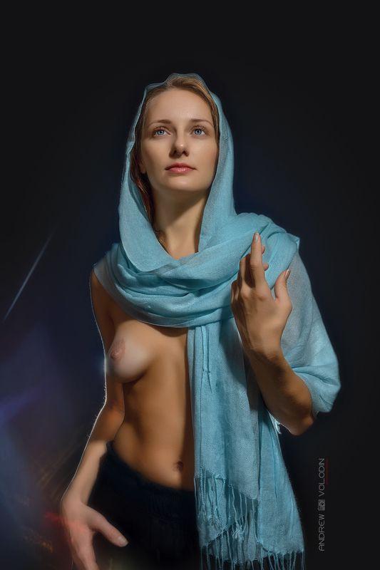 девушка платок палантин ню грудь икона красиво студия портрет Палантинphoto preview