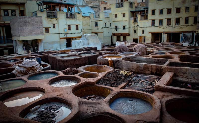 Обработка кожи в г. Фес. Марокко.photo preview