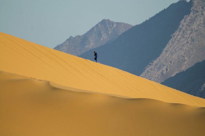 песчаная гора,песок,пейзаж,дагестан.. Сары кум.. Жёлтые пески..photo preview