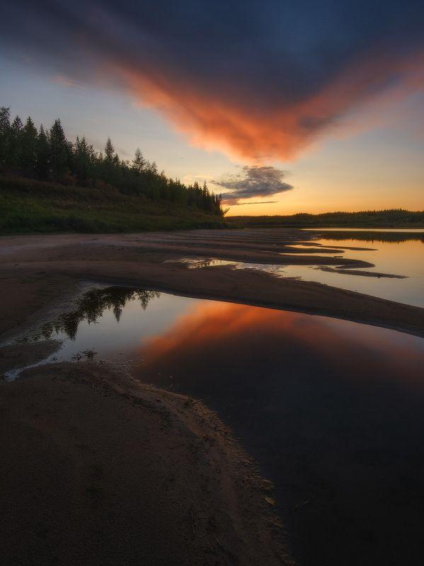 россия, иркутская область, ербогачен, нижняя тунгуска, сибирь, тайга, река, лес, иван-чай, отражение, закат, осень В сердце тайгиphoto preview