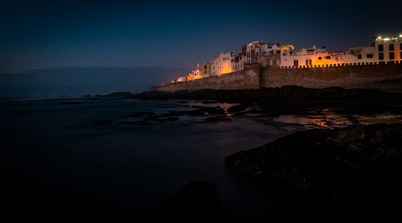 Крепость Эс-Сувейра ночью.photo preview