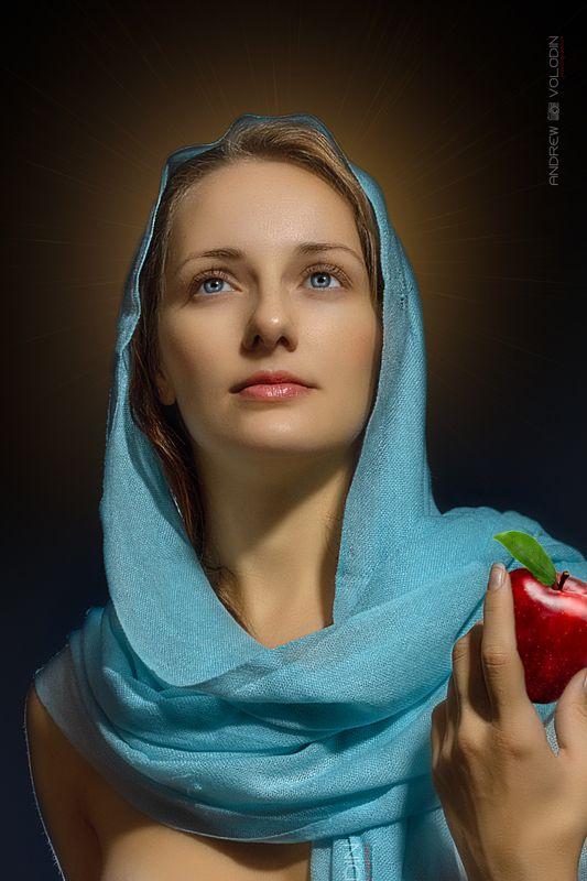 девушка портрет палантин платок яблоко библия мария магдалина нимб свечение По Библейской тематике ...photo preview