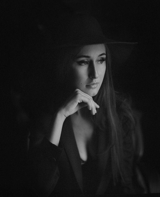 ню портрет девушка Кристинаphoto preview