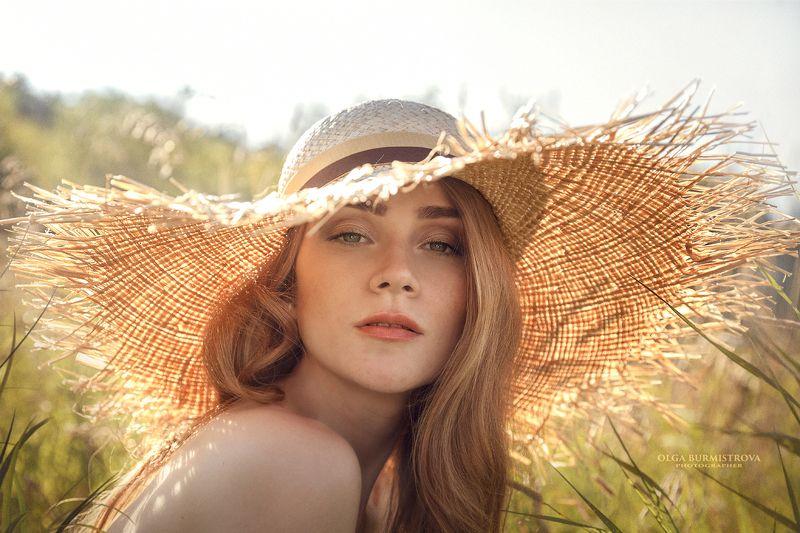 соломенная шляпка, солнечный день, жаркий день, полдень, знойное лето Воспоминания о летеphoto preview