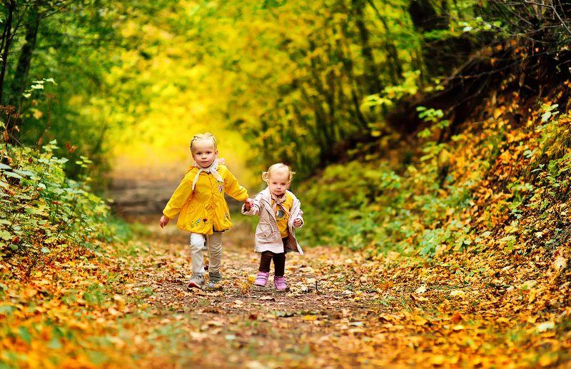 осень дети золотая осень семейная фотография осенняя прогулкаphoto preview