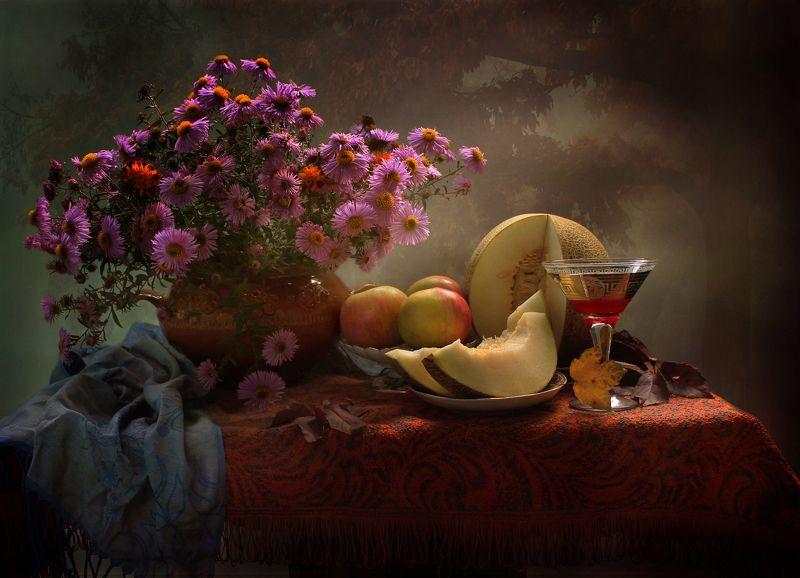 натюрморт, осень, дыня, вино, цветы, хризантемы, яблоки Вина осеннего бокал...photo preview
