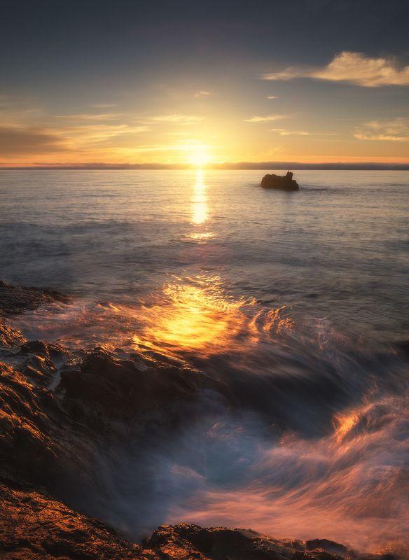 россия, крым, полуостров, пейзаж, природа, черное море, длинная выдержка, берег, камни, восход солнца, рассвет Крымские зарисовкиphoto preview