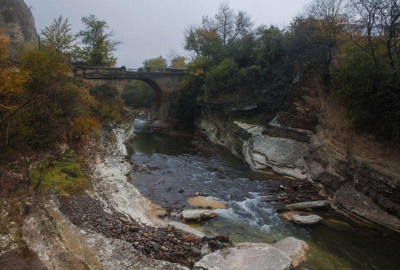 старый мост,горы,осень,река, Древний мост..photo preview