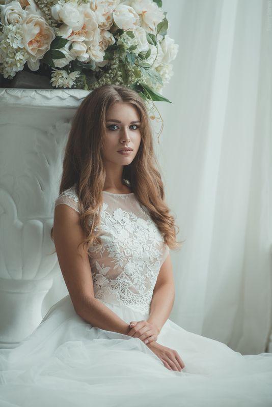 девушка, портрет, милая, cute, girl, portrait, окно, window, bride, невеста Lanaphoto preview