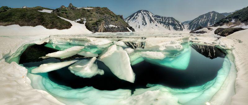 камчатка,россия,вулкан,природа,пейзаж,лед,горы,озеро,бакенинг Ледяная улыбка вулкана Бакенингphoto preview