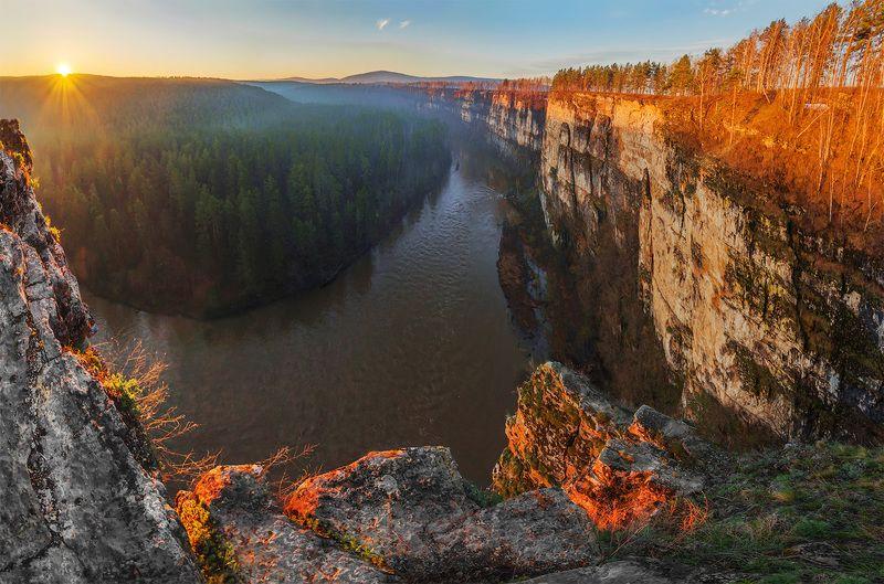 природа, пейзаж, урал,  весна, утро, восход, рассвет, река, панорама Большие Притёсы и река Айphoto preview