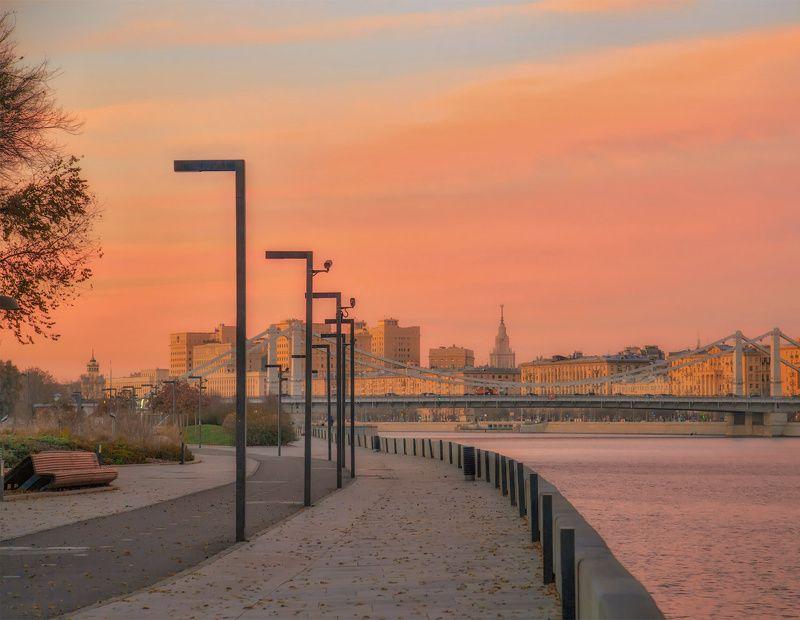 москва, набережная, утро, рассвет Розовое утроphoto preview