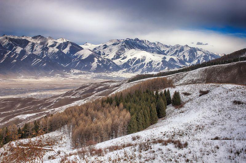 кыргызстан, горы Ноябрьское настроениеphoto preview