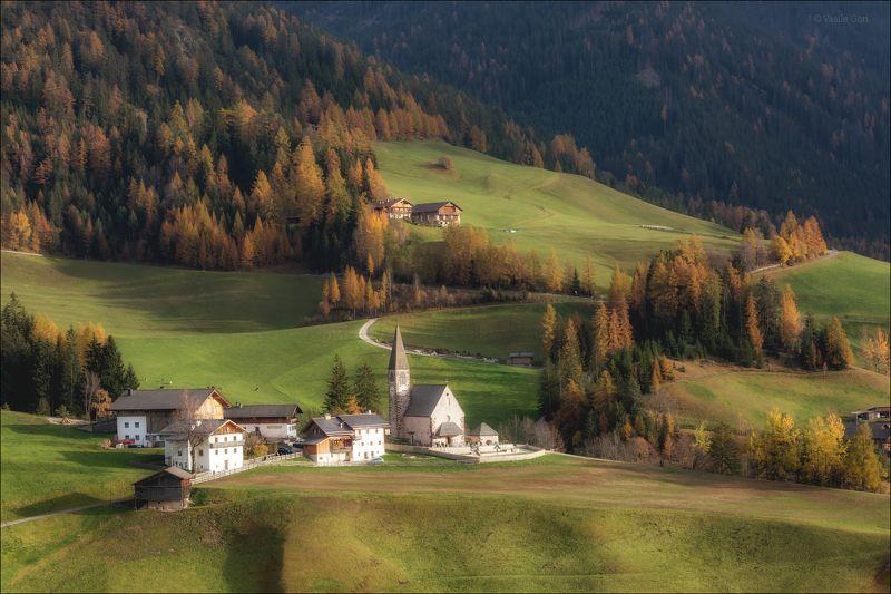 доломитовые альпы,val di funes,италия,осень,деревня,santa maddalena,свет,деревенский пейзаж,alps. Пасторальphoto preview