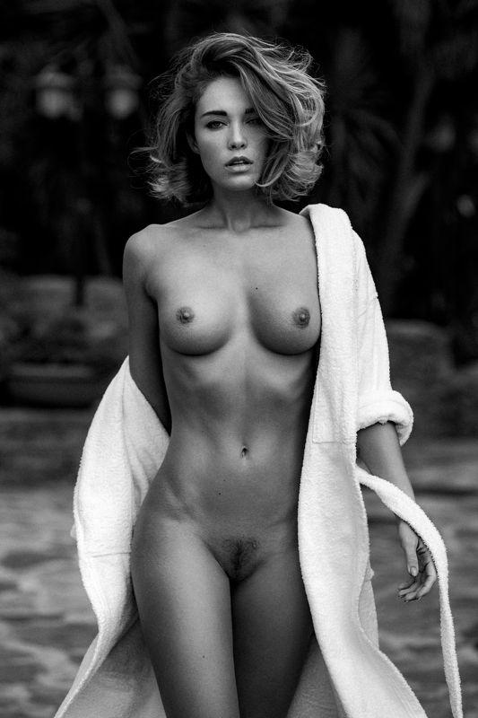 monochrome, black & white, nude, woman, pure, sensual, classic Victoriaphoto preview