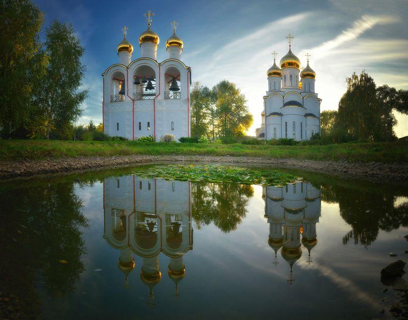 вода, подмосковье, вечер, осень, переславль залесский У монастыряphoto preview