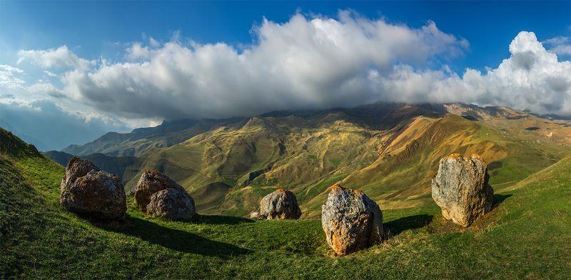 природа, пейзаж, кавказ, горы, весна, вечер, панорама, закат, солнце, небо, облака, свет Камниphoto preview