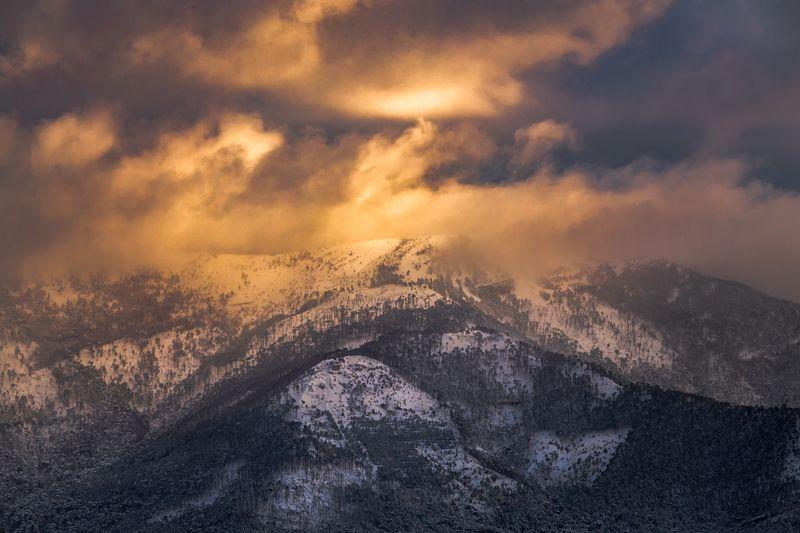 крым,снег,зима,горы,закат,рассвет,пейзаж,природа,россия,фототур Ноябрьский рассвет в горах Крымаphoto preview