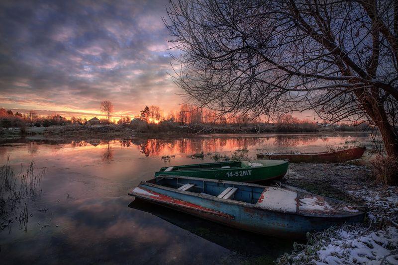 дубна, река, лодки, ледостав, ноябрь, холод, утро, лед, снег, рассвет, облачность, восход, Ледоставphoto preview