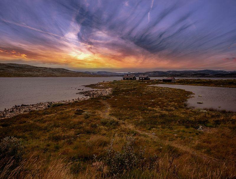 норвегия Домики на закатеphoto preview