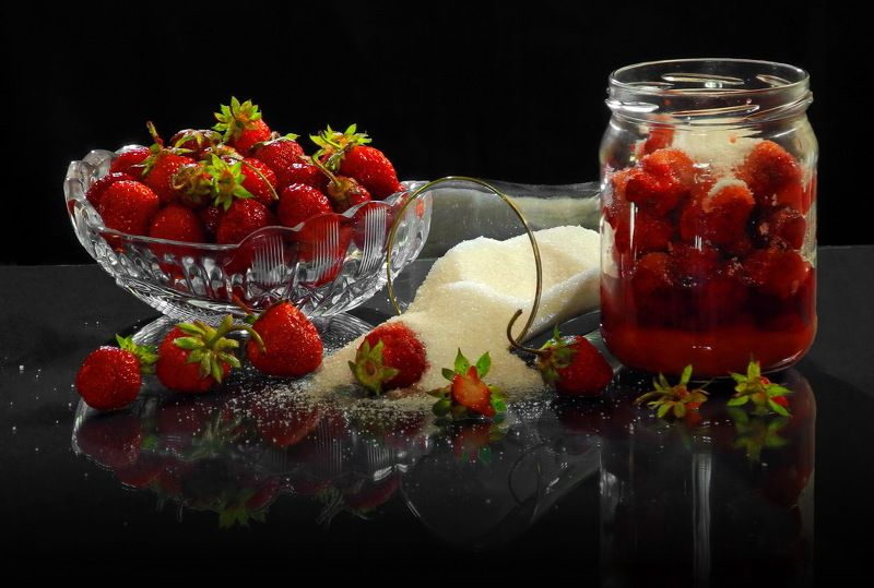 клубника сахар стакан натюрморт Клубника с сахаром.photo preview