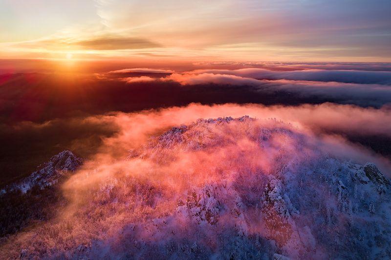 таганай, зима, урал, горы, лес Под облаками на закатеphoto preview
