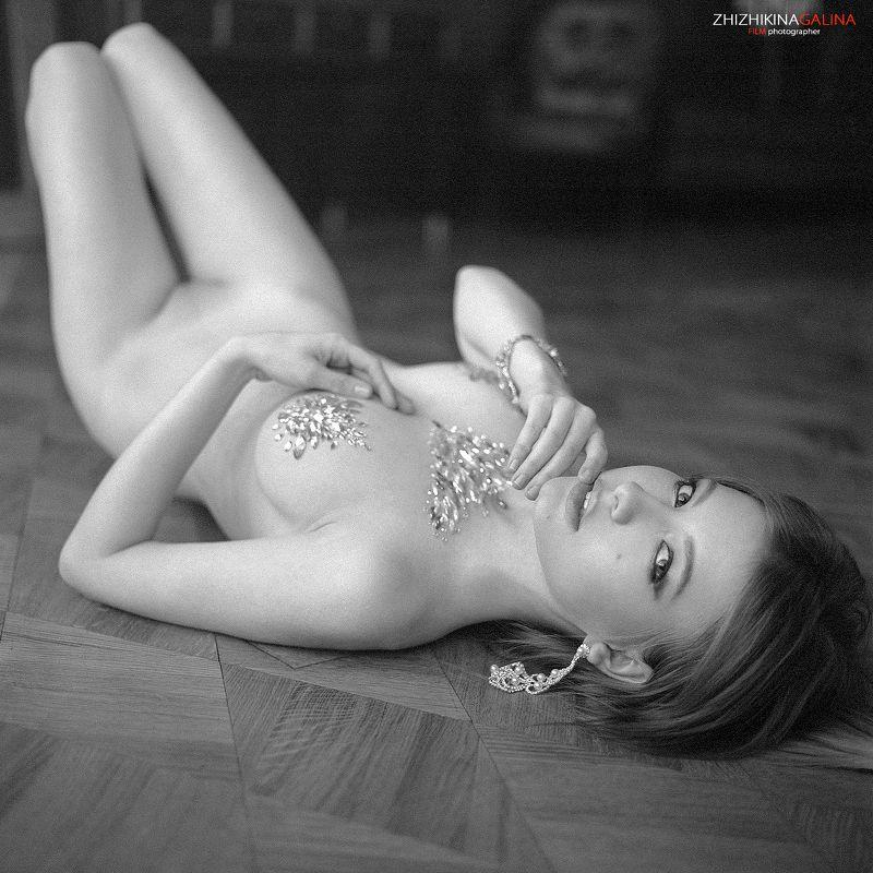 девушка, портрет, гламур, лифо, красивая, фотография, фото, фотостудия, пленка, film, middle, portrait, nude, face Россыпь бриллиантовphoto preview