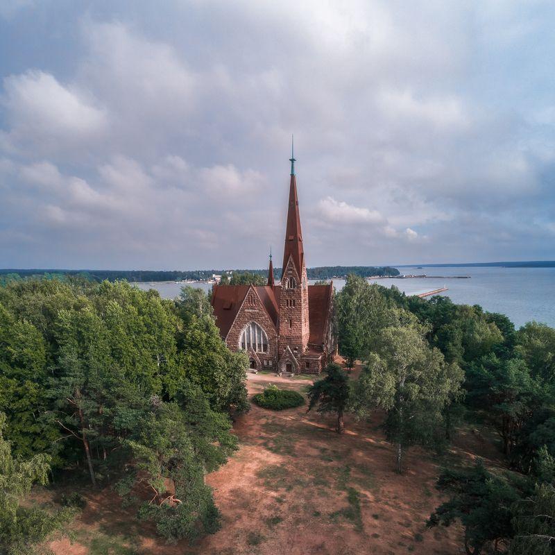 Церковь в Приморскеphoto preview