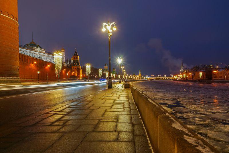 Москва, ночь, трассеры, Россия, набережная, река Москва ночная photo preview