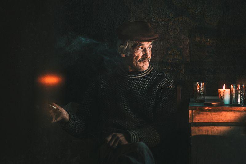 portrait,oldman,smoke,lifeportraits,поптрет,жанр Жизнь у железной дорогиphoto preview