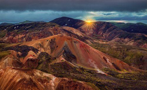 Риолитовые горы Исландии.