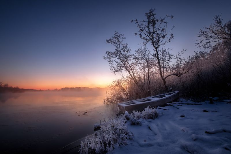 шатура, пейзаж, озеро, белое, лодка, зима, лед, снег, рассвет, туман, пар Зима наступаетphoto preview