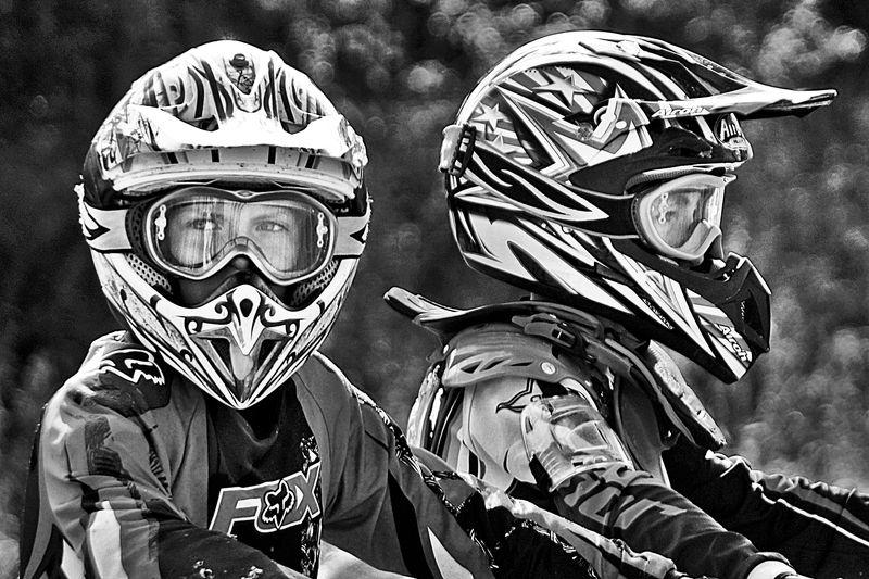 мотогоншик, мотоцикл, гонка, гонщик, апатиты Юные мотогонщикиphoto preview