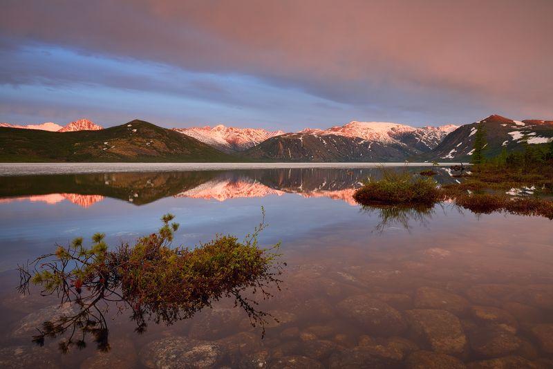 Розовые озера Колымы...photo preview
