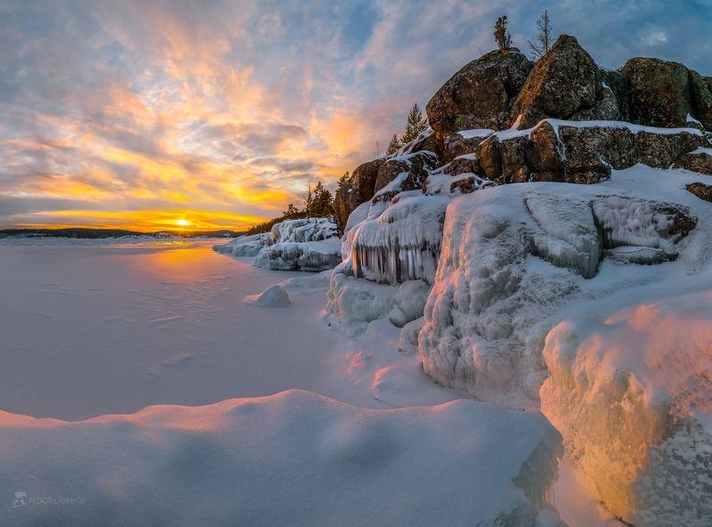 ладожское озеро, карелия, шхеры, природа, скалы, берег, камни, остров, зима, закат, снег, сосна, наледь, солнце, облака, pentax645z, pentaxrussia, pentax Суровая Ладогаphoto preview