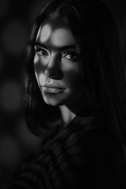 портрет, девушка, чб, тень, взгляд photo preview