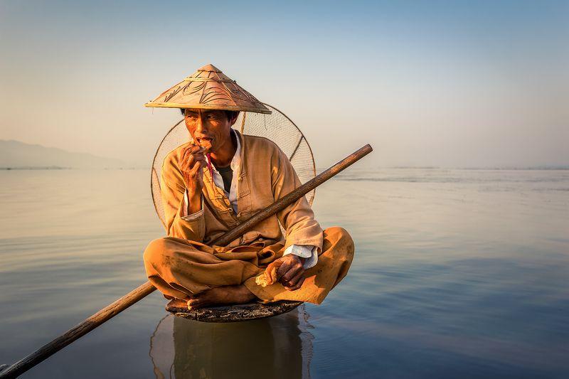 inle, myanmar, birma, travel, lake, sunrise, water Fisherman on the Inle lakephoto preview