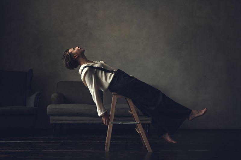 портрет, женщина, настроение, студийный портрет, стул Светлана photo preview