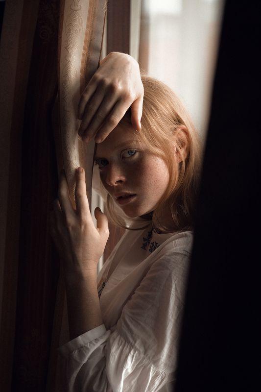 рыжая, девушка, модель, никон, россия, фото, фотография, глаза, губы, нежная, волосы, ветер, взгляд, веснушки Анастасияphoto preview