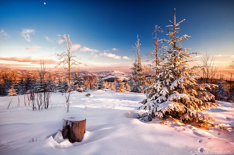 mountains, poland, polish, silesia, winter, snow, moon, sunset, sunrise, frozen, cold, colours, trees, awesome, adventure, travel, beautiful Meeting with the moonphoto preview