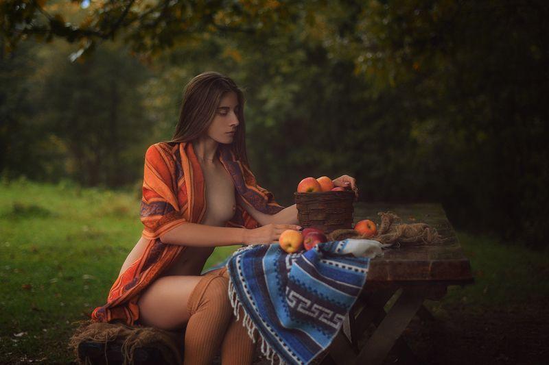 девушка, модель, ню Яблокиphoto preview