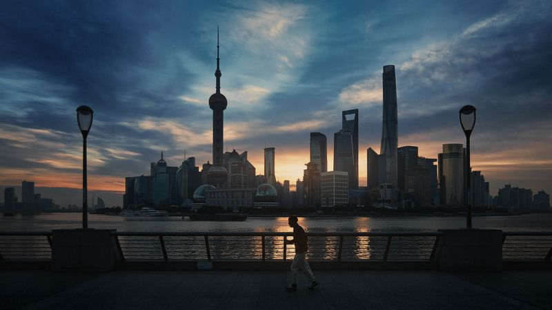 bund, shanghai, asia, china, morning, city, cityscape, sky, clouds, sunrise, man, sport, running, cinematic, cine, colors, colorgrade, colorgrading Morning Bundphoto preview