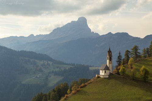 Chiesa Santa Barbara. Dolomites.