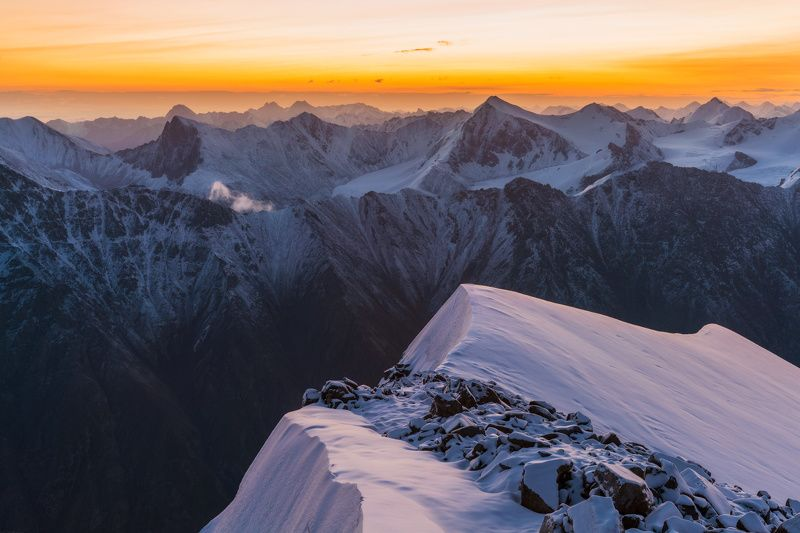 горы, тянь-шань, утро, рассвет, пик мукагали, вершина Прогулки по краюphoto preview